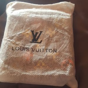 Louis vuittion belt new in box